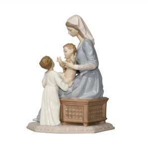 Bless the Child 5996 - Lladro Figurine