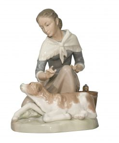 Caressing Little Calf 4827 - Lladro Figurine