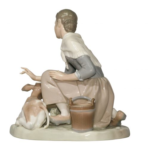 Caressing Little Calf 4827 - Lladro Figurine