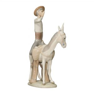 Honey Peddler 4638 - Lladro Figurine