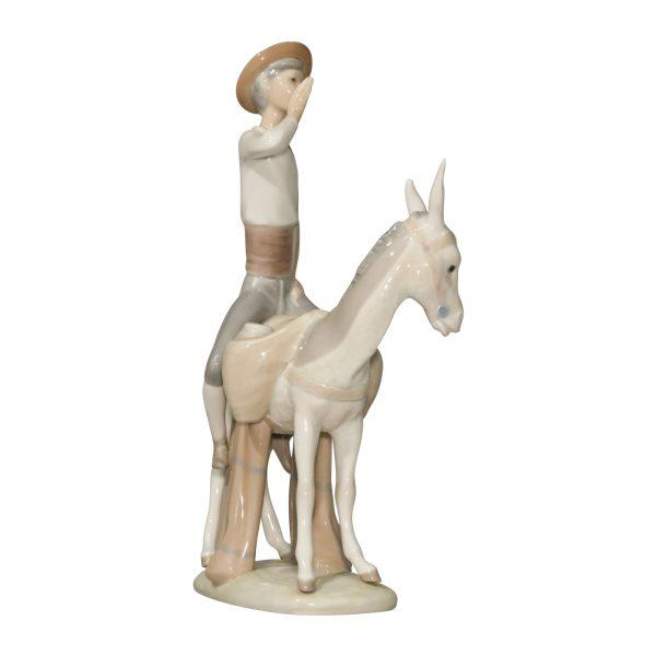 Honey Peddler 4638 - Lladro Figurine