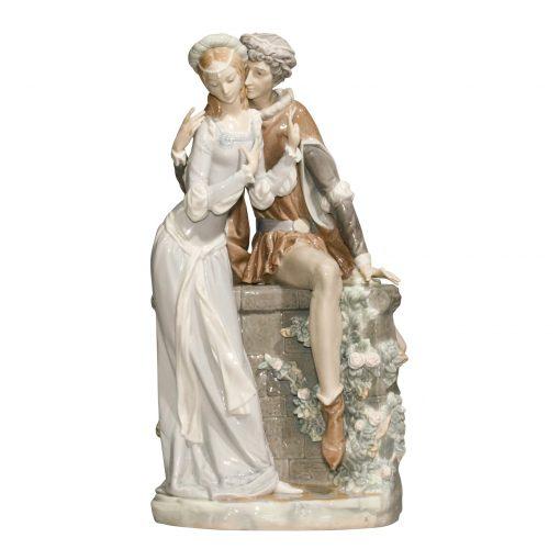 Lovers from Verona 1250 - Lladro Figurine