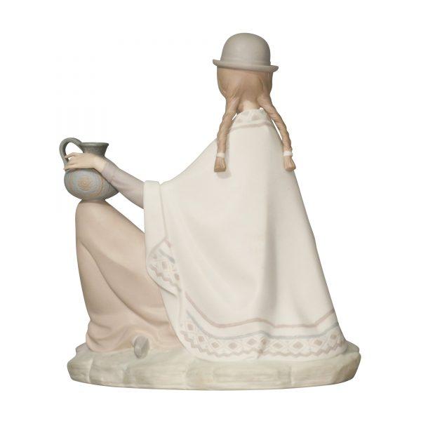 Peruvian Girl Baby Matte - Lladro Figurine