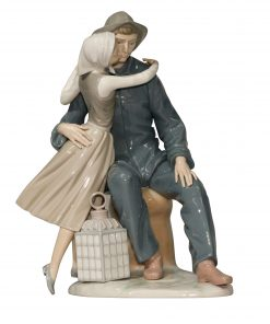 The Kiss 4888 - Lladro Figurine