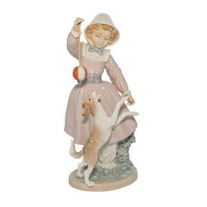 Girl Dog and Ball 01005078 - Lladro Figure