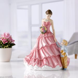 Loving Moments HN5873 2018 Mother's Day Figure of the Year - Royal Doulton Figurine