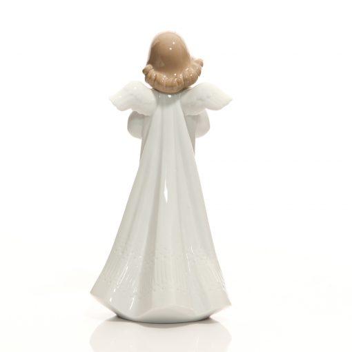 An Angel's Wish 01006788 - Lladro Figure