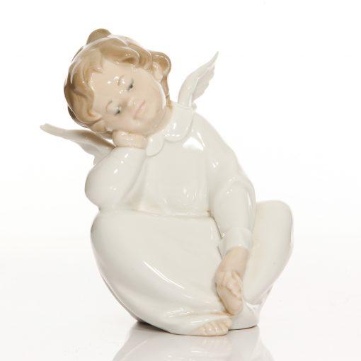 Angel Dreaming 4961 - Lladro Figure