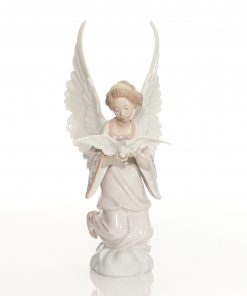 Angel of Peace 6131 - Lladro Figure