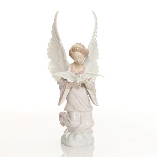 Angel of Peace 6131 - Lladro Figure