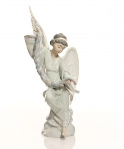 Angel with Garland 6133 - Lladro Figure