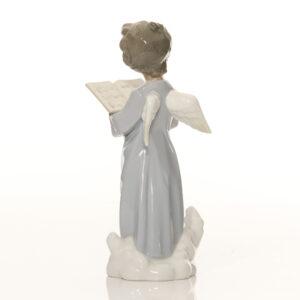 Angelic Voice 01005724 - Lladro Figure