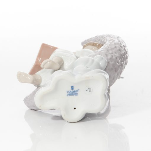 Dreaming of Stars 6840 - Lladro Figure