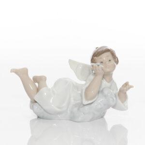 Heavenly Dreamer 5728 - Lladro Figure