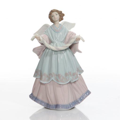 Joyful Offering Angel 6125 - Lladro Figure