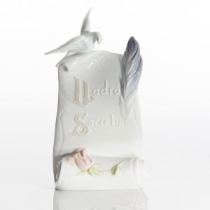 Scroll Arts Brings Us Togethe 7677 - Lladro Figure