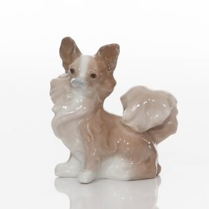 Small Dog 4749 - Lladro Figure