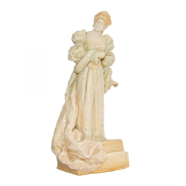 Ellen Terry as Queen Catherine (Vellum) - Royal Doulton Figurine