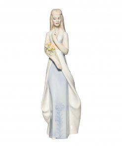 Sweet Bouquet HN3000 - Royal Doulton Figurine