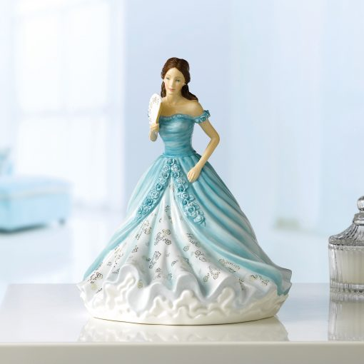 Annabelle HN5911 2019 Figure of the Year Royal Doulton Figurine